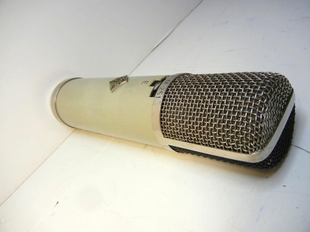 Telefunken ELA M 251 E vintage vacuum tube microphone