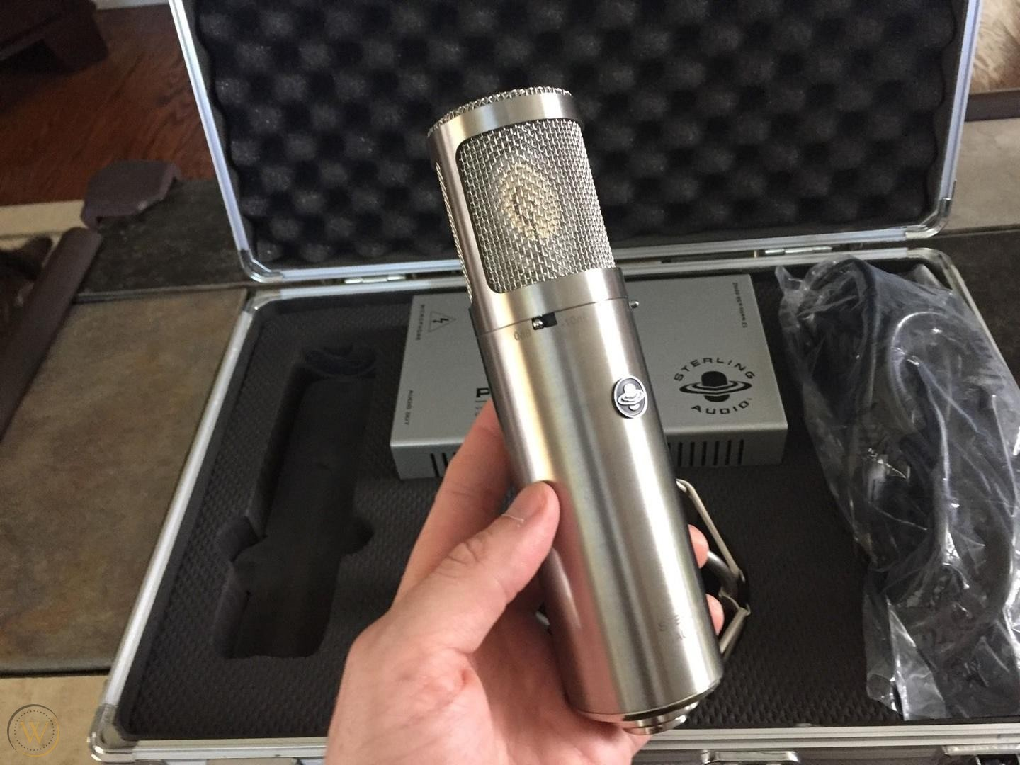 Sterling Audio ST69